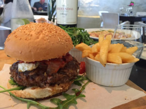 Meerendal Crown Restaurant burger