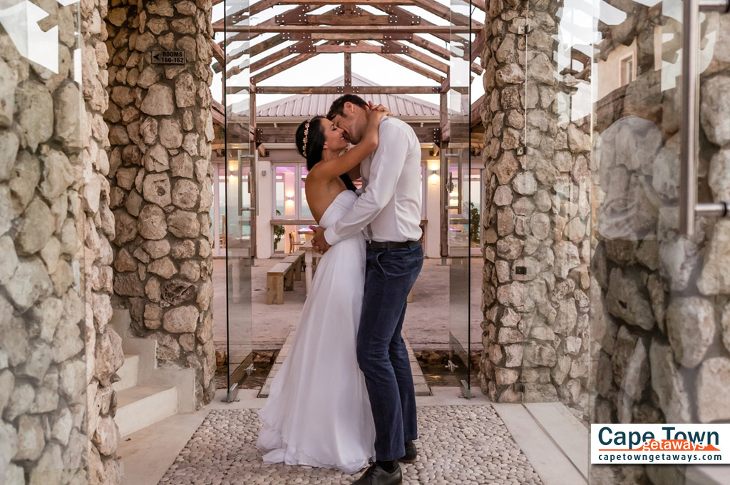 Blue Bay Relaxation Lodge Bridal Couple