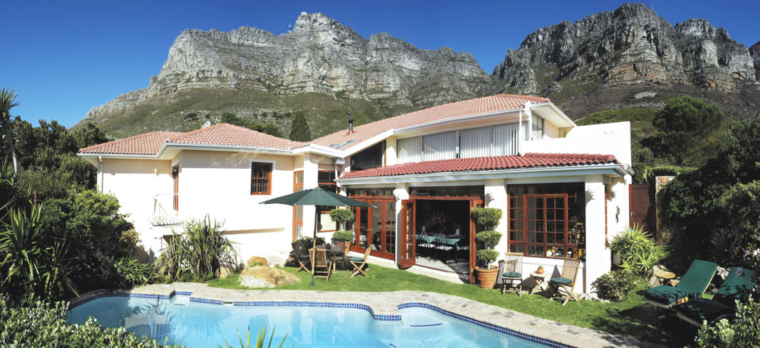 Ambiente Guesthouse Camps Bay Pool