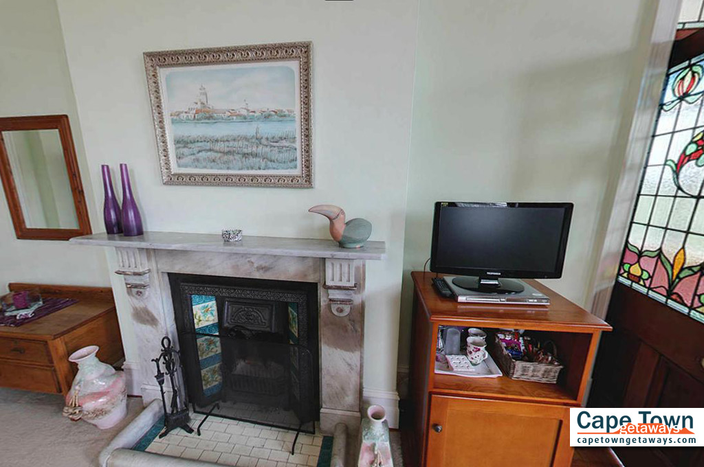 Carmichael Guesthouse Luxury Cape Town Accommodation 2nd family suite Victorian fireplace