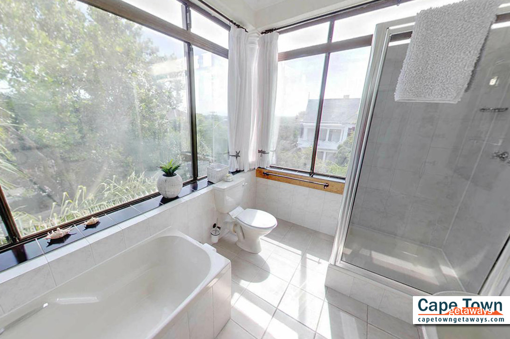 Carmichael Guesthouse Luxury Cape Town Accommodation family suite bathroom