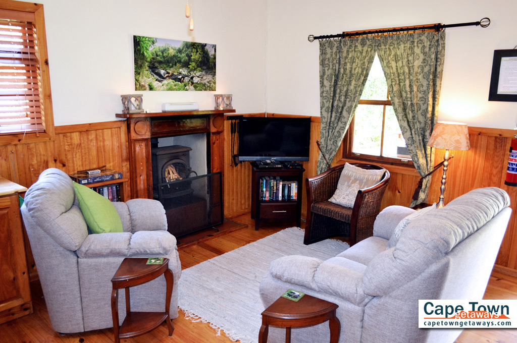 Self-Catering Cottages Knysna Living Room Fireplace