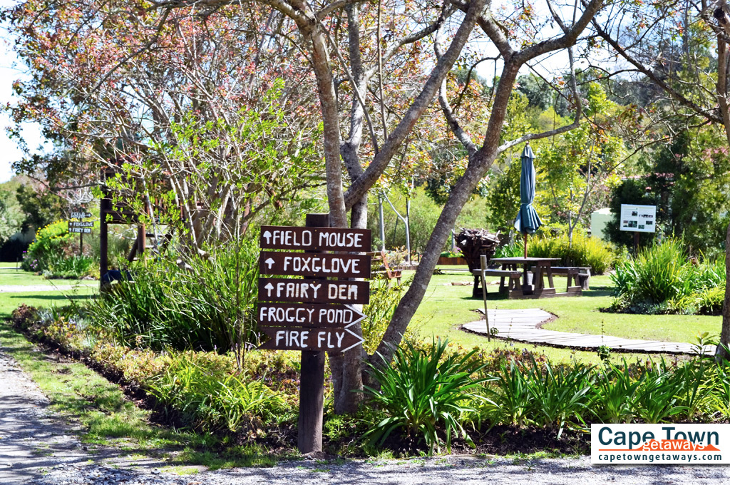 Self-Catering Cottages Knysna Signboard