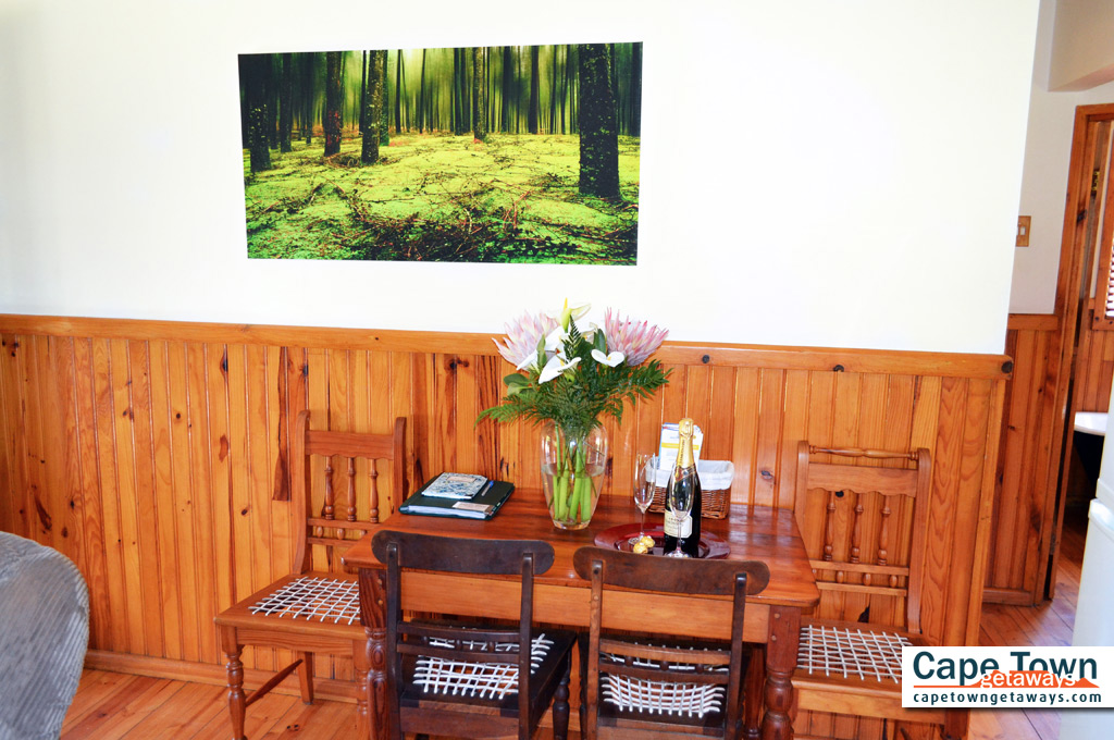 Self-Catering Cottages Knysna Wood Features In Living Area