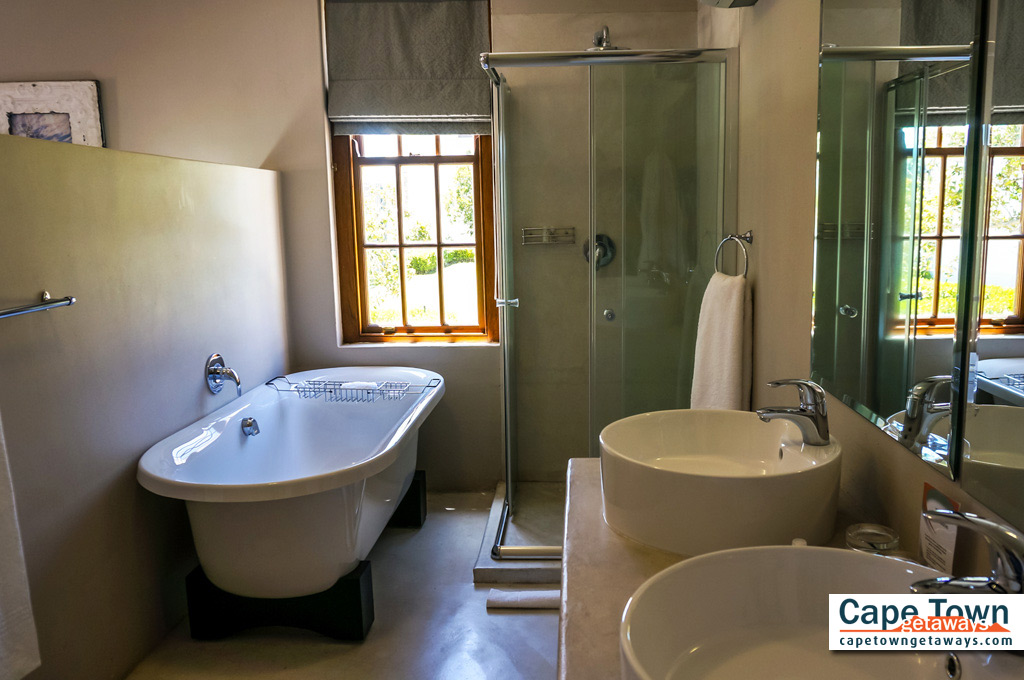 Country Lodge Accommodation Family Cottage Unit EnSuite