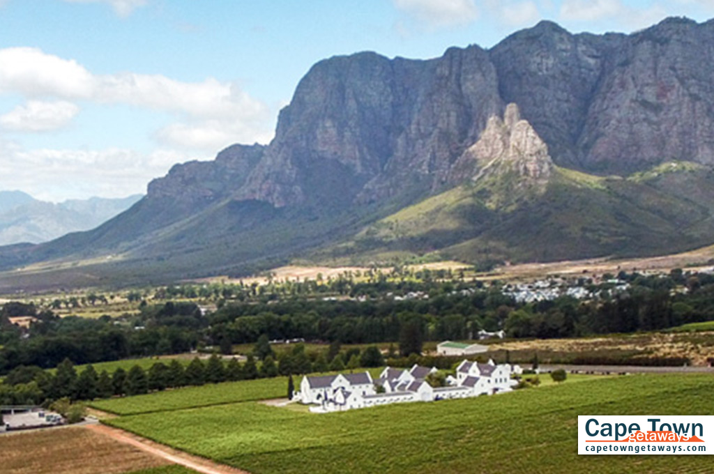 Feature - Country Lodge Accommodation