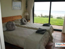 Lamberts Bay Self-Catering Downstairs Unit Twin Bedroom