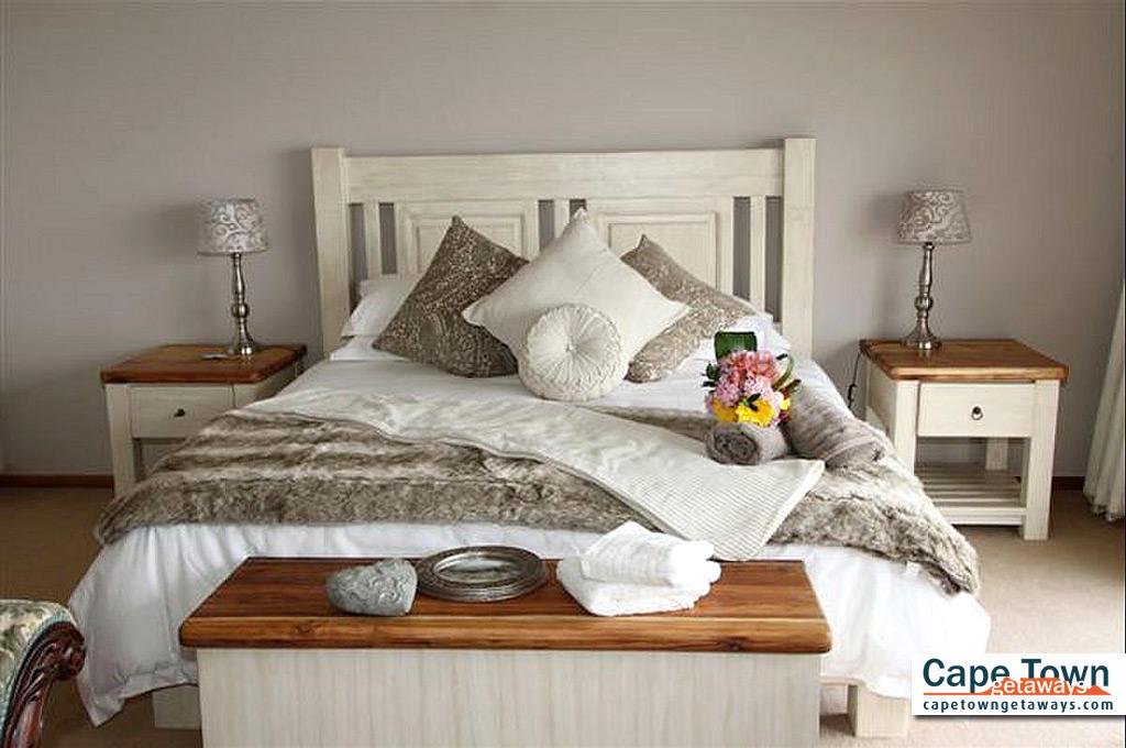 Lamberts Bay Self-Catering Upstairs Master Bed
