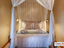 Oudtshoorn Cottage Room_2