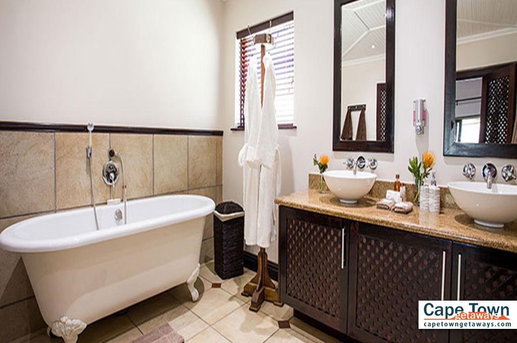 Wildehondekloof Deluxe bathroom