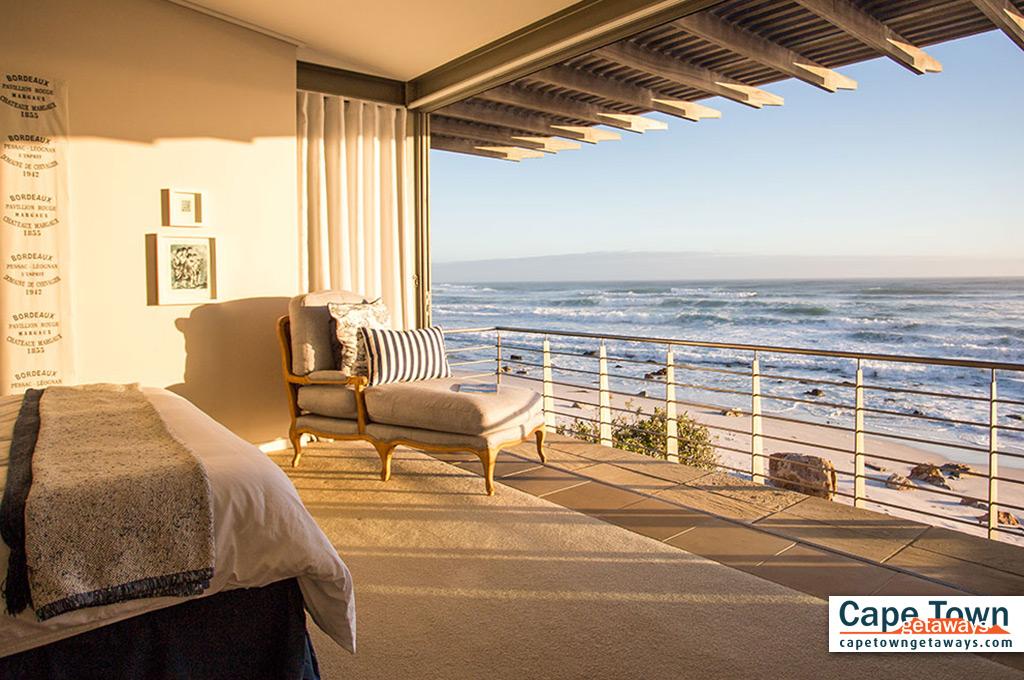 Misty Cliffs Villa Cape Town main bedroom