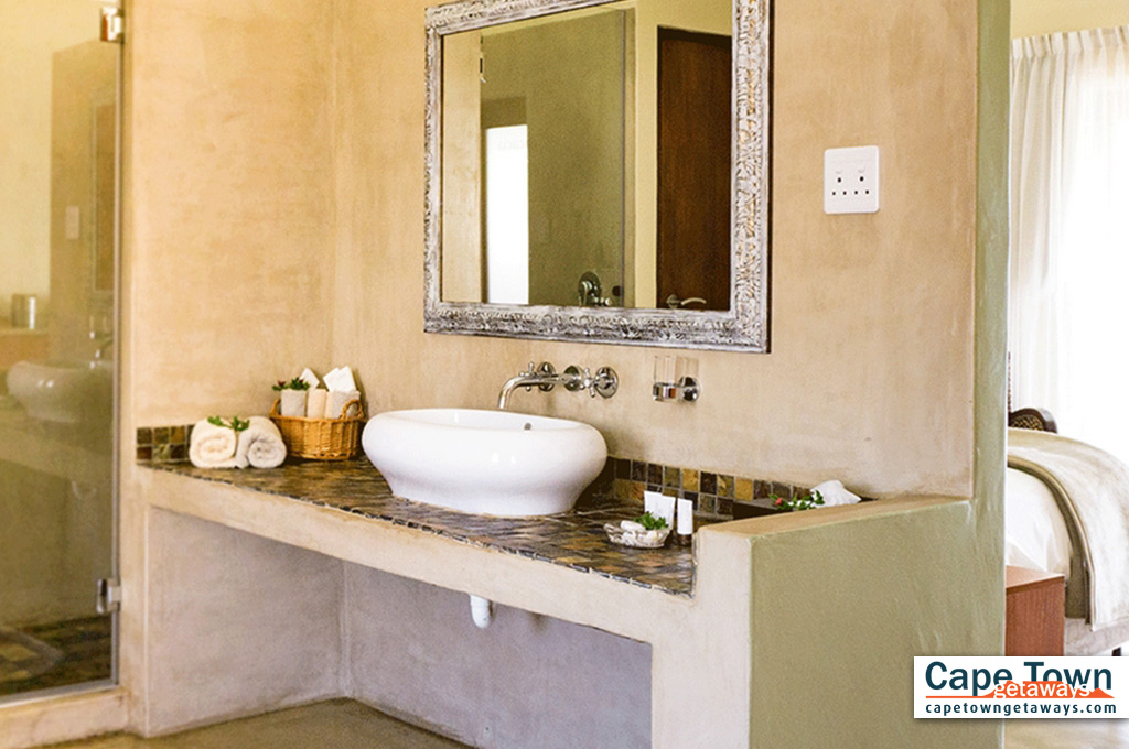 Private basin and shower