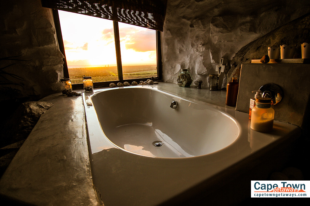 Spacious bathtub