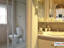 Rose garden en-suite bathroom