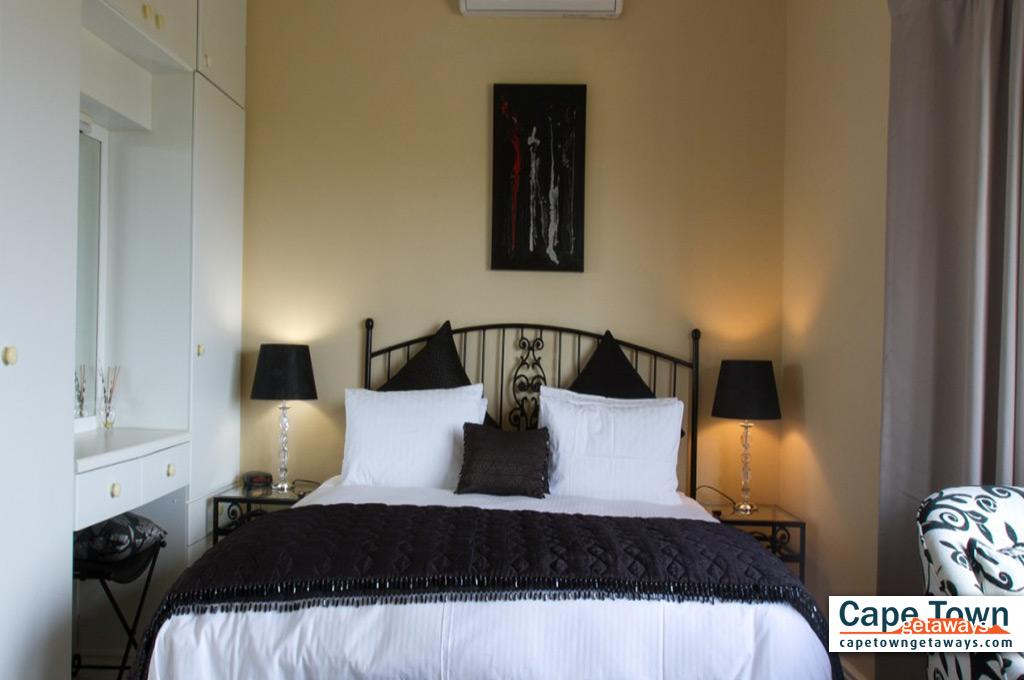 Bay Suite bedroom
