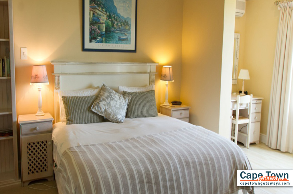 Pool Suite Bedroom
